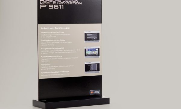 POS Display für Navigon Porsche Design von Consequence